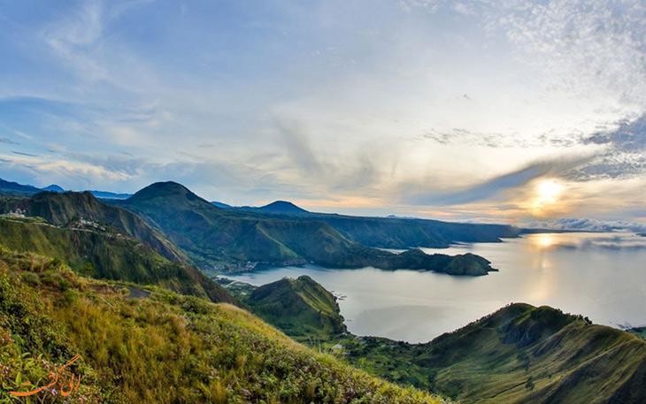 دریاچه توبا در اندونزی، بزرگترین دریاچه آتش فشانی جهان