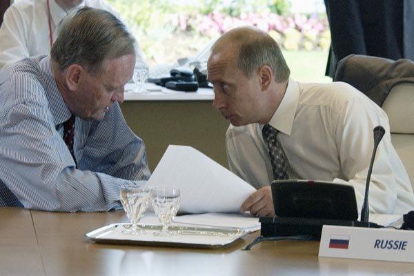 پوتین با نخست وزیر سابق کانادا دیدار می نماید