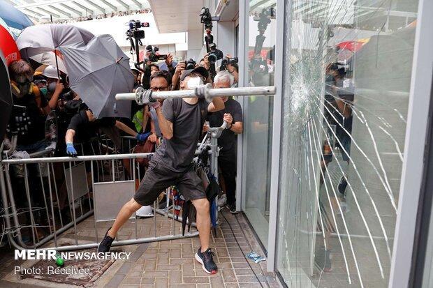 ادامه ناآرامی ها در هنگ کنگ، ساختمان خبرگزاری شینهوا هدف نهاده شد
