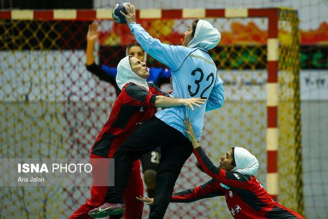 قهرمانی اشتاد سازه مشهد در نیم فصل اول لیگ هندبال بانوان