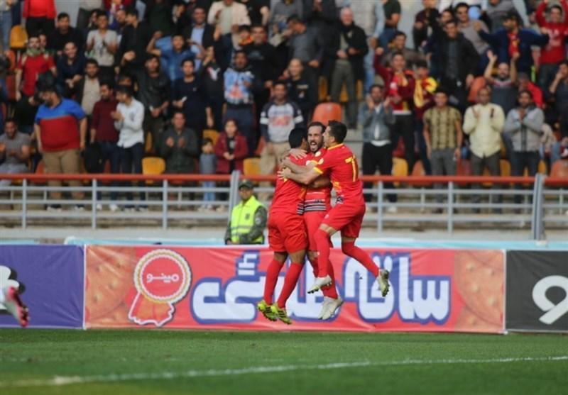 لیگ برتر فوتبال، تساوی نساجی و پارس جنوبی و رجحان فولاد مقابل پیکان در نیمه اول