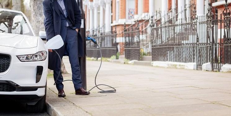 اولین ایستگاه شارژ خیابانی خودروی برقی در انگلیس