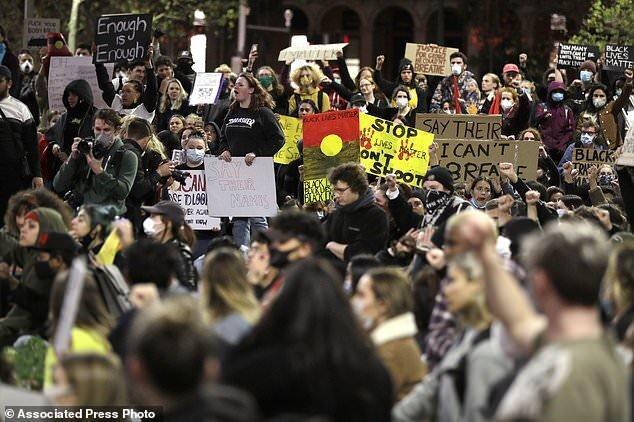 همبستگی هزاران استرالیایی با معترضان در آمریکا