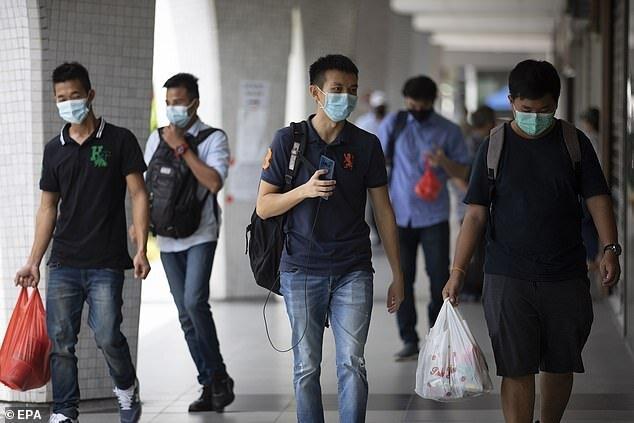دستگاه ردیاب کرونا برای همه در سنگاپور