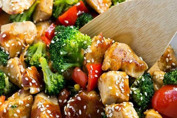 طرز تهیه خوراک مرغ و بروکلی مرحله به مرحله