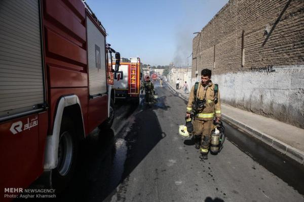 حریق مجتمع اداری در خیابان گاندی تهران