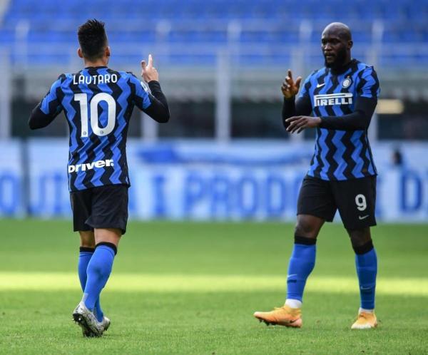 اینتر 6 - کروتونه 2؛ صعود موقت به صدر جدول با درخشش لوکاکو و لائوتارو مارتینز